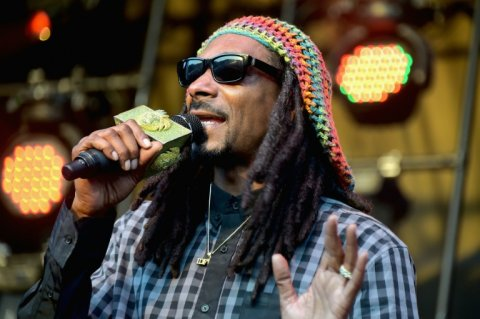 snoop-dogg-predicts-that-marijuana-will-be-legal-in-california-and-20-other-us-states-in-two-years